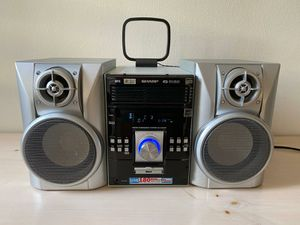 5 Disc Stereo with 180w speakers for Sale in Queens, NY
