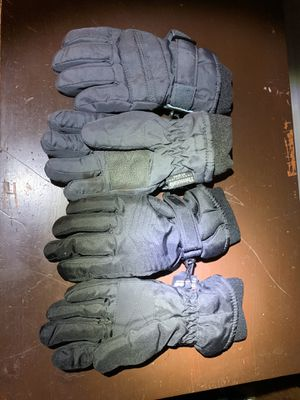 Kids Weather Proof (snow) gloves - Small for Sale in Moreno Valley, CA