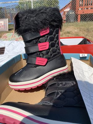 Kids Snow Boots Size 12 for Sale in Halethorpe, MD