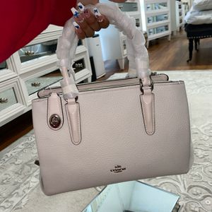 Brand new COACH pebble leather Brooklyn 28 purse for Sale in Los Angeles, CA