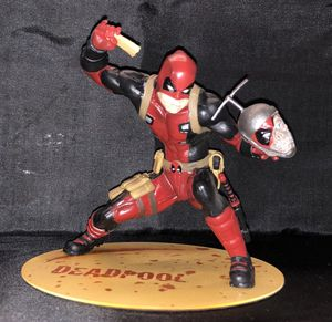 Deadpool variant artfx statue magnetic base. X-men collectible for Sale in Queens, NY