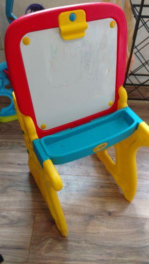Kids desk/easel for Sale in Arlington, WA