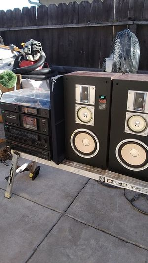 Sansui stereo system with a Technics 5 disc changer for Sale in Manteca, CA