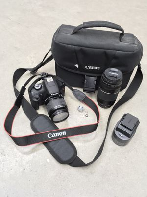 Canon EOS Rebel T5 - 18MP (comes w/ carrier bag, 2 lenses, and charger) for Sale in Houston, TX