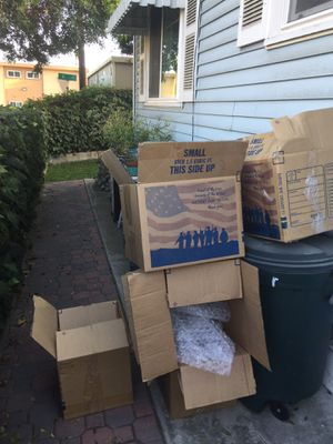 Moving boxes free for Sale in San Diego, CA