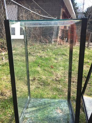 10 gallon tank for Sale in Pittsburgh, PA