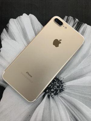iPhone 7 Plus (128 GB) Desbloqueado con garantià for Sale in Cambridge, MA