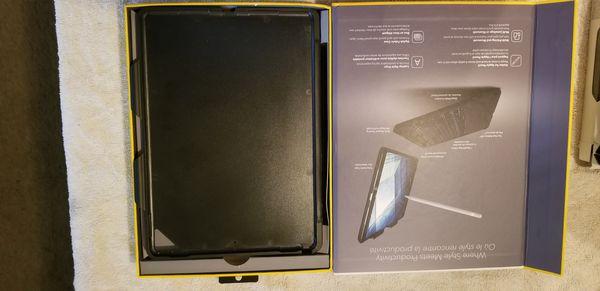 Zagg Slimm Keyboard case for iPad pro 10.5 in