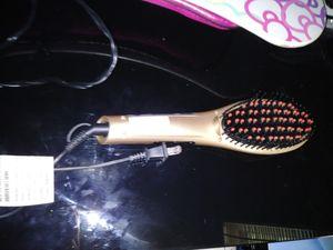 Hair straightener for Sale in Moline, IL