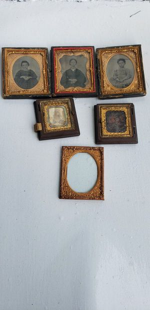 Antique Framed Tin type Photos for Sale in Lorain, OH