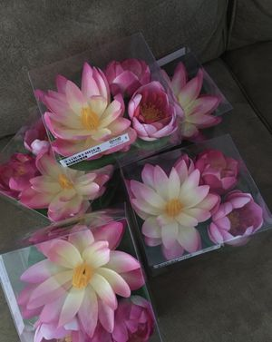 Floaty flowers , each pack 3 pcs, $7 for Sale in Burbank, CA