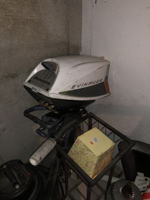 5.5hp evinrude outboard motor for Sale in Woburn, MA