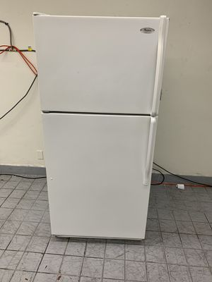 Refrigerator Whirpool for Sale in Fontana, CA