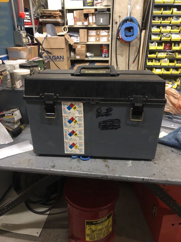 Welder and refrigerant finder