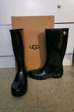 UGG® Women's Shaye Tall Rain Boots Size 6 for Sale in Sachse, TX
