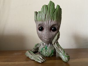 Groot plant pot for Sale in Seattle, WA