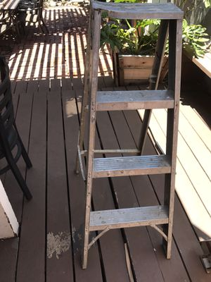 4ft ladder for Sale in Los Angeles, CA