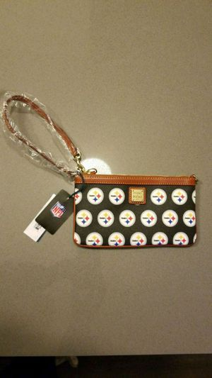 Dooney and Bourke Steelers Wristlet for Sale in Washington, DC