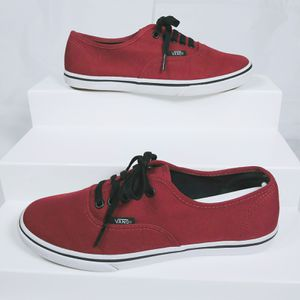 Vans womens Atwood low profile skater shoes size: 6 for Sale in Avon Lake, OH
