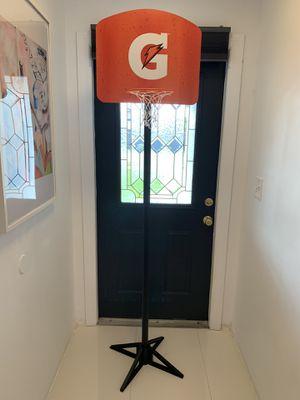 Basketball hoop (adjustable) for Sale in Miami, FL