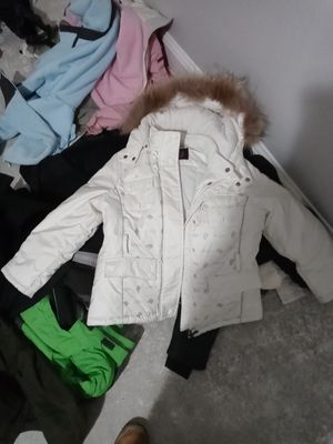 Girls size 9 European ski snow jacket board jacket with the fur really good heavy quality for Sale in Roseville, CA