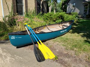 Mad River St. Croix canoe and paddles for Sale in Naperville, IL