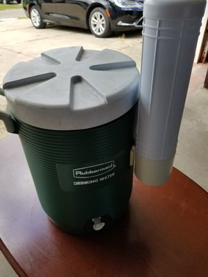 Rubber maid cooler for Sale in Akron, OH