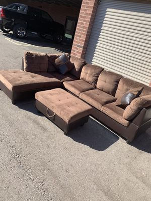 Like now sectional couch with box ottoman for Sale in Phoenix, AZ