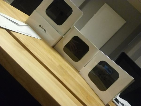 ****BRAND NEW Apple TV 4TH GENERATION (NEWEST MODEL)***
