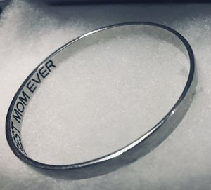 """""""Best mom ever"""" engraved bangle bracelet in silver - great gift! for Sale in Tacoma, WA"""
