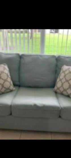 Pull Out Couch Queen Size for Sale in Hollywood,  FL