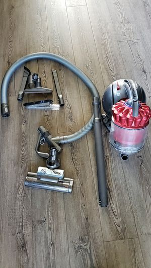 Dyson Cansiter Vacuum Cleaner for Sale in Los Angeles, CA
