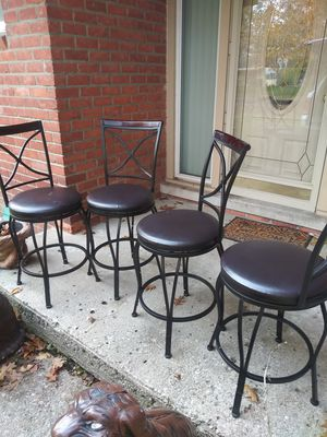 Counter height bar stools nice condition for Sale in Detroit, MI
