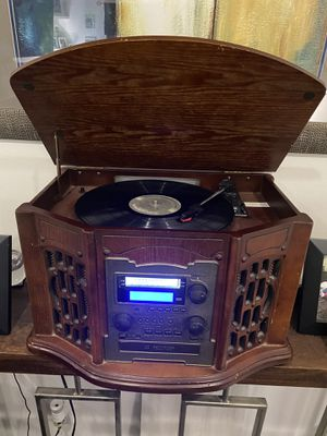 40 record old time cd & Innovative Technology ITRR-501 Wooden Music Center - 5 in 1 Vintage Music Player for Sale in Alexandria, VA