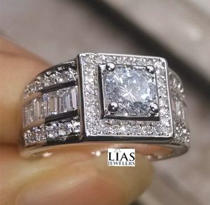 New 18 k white gold men wedding ring men wedding band for Sale in Orlando, FL