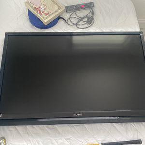 "Sony BRAVIA 46"" Smart TV for Sale in Traverse City, MI"