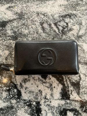 Authentic Gucci wallet for Sale in Amston, CT