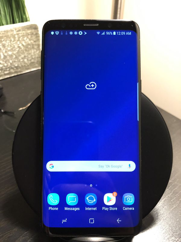 Samsung Galaxy S9 (sprint) with wireless charging dock