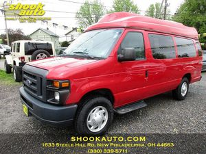 2013 Ford Econoline Wagon for Sale in New Philadelphia, OH