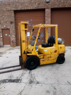 Komatsu 5000 LB. Pneumatic Forklift. for Sale in Elk Grove Village, IL
