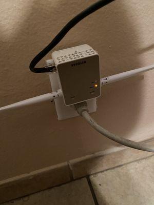 Netgear AC1200 Wifi Range Extender for Sale in Riverside, CA