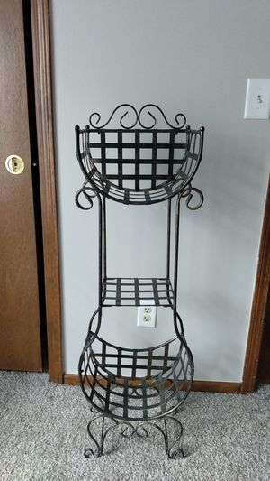 Metal rack and more for Sale in Fort Wayne, IN