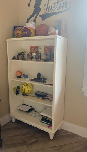 Book case for Sale in LAUD LAKES, FL