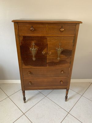 Antique Dresser chest of drawers for Sale in Margate, FL