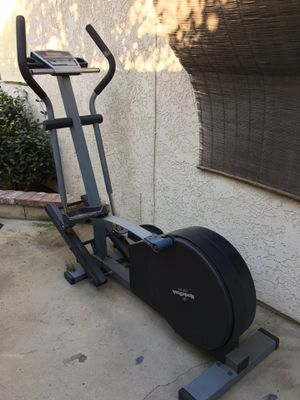 NordicTrack CXT 910 elliptical for Sale in La Habra Heights, CA