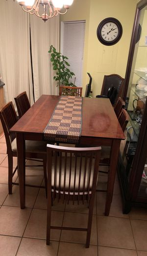 6. Chair expandable cherry Dining Table for Sale in Bristow, VA