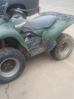 Kawasaki 400cc praire for Sale in Houston, TX