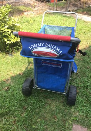 Tommy Bahama wonder wheel beach and weekend perfect to carry beach staff for Sale in Long Beach, NY