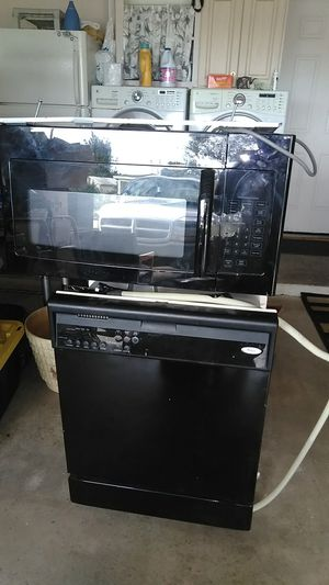 Microwave, bought new end of 2018, like new for Sale in Sebring, FL