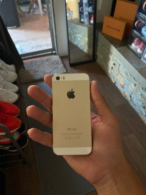 iPhone 5 (LOCKED) perfect condition🔥 for Sale in Santa Ana, CA